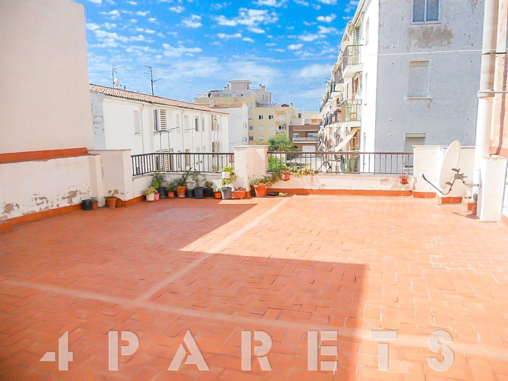 Amplia Casa Adosada Con Garaje Y Terraza En Sant Carles De